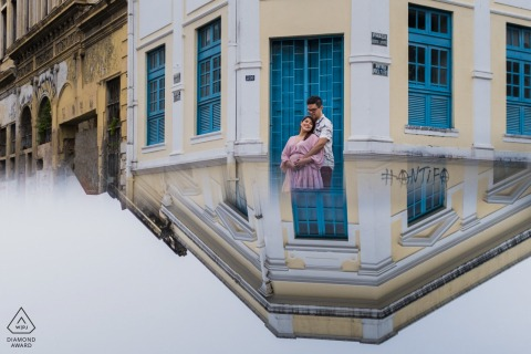 Maceió couple e-shoot using reflections in a historic district of Brazil