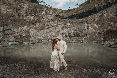 Pedreira bride and groom to be, posing for a pre-wedding engagement photo shoot with some love in the quarry