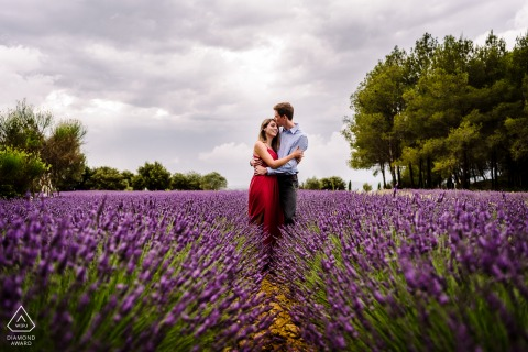 Montpellier bride and groom to be, posing for a pre-wedding engagement photo shoot in lavender fields of flowers