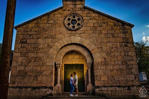 Jaen bride and groom to be, posturing for an engagement image at Pentane de El Jandula