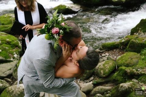 Leah Moyers是TN WPJA的获奖婚礼摄影师