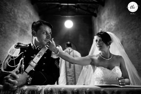 Moment de reportage de mariage à Florence des mariés lors de la cérémonie