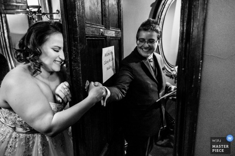 London wedding photography in black-and-white