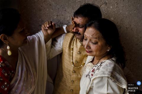 Cappadocia, Turquía novias madre y padre se emocionan en la boda