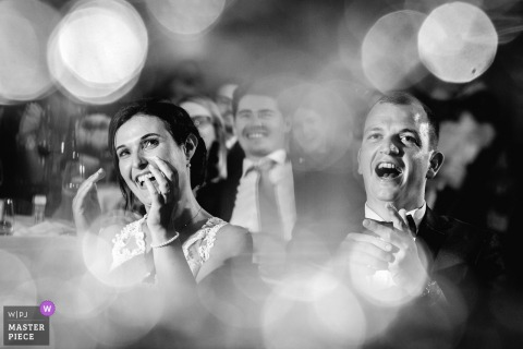 Rochefort sur Loire bride and groom clap and laugh at the wedding