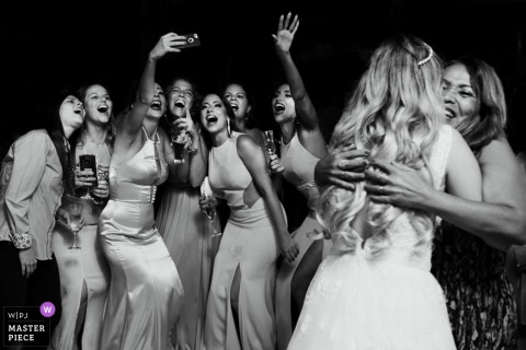 Rio de Janeiro bridesmaids and guests take a selfie at the wedding