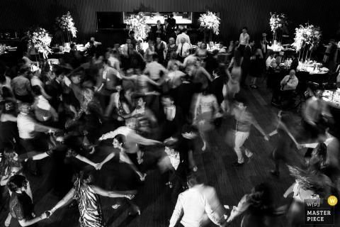 Melbourne, Victoria Gäste tanzen auf der Hochzeitsfeier