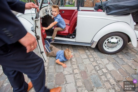 Netherlands boy falls out of car at the wedding