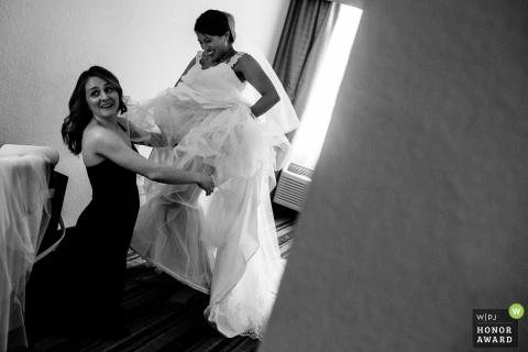 De bruid die van Berkeley klaar voor haar huwelijk van Californië wordt
