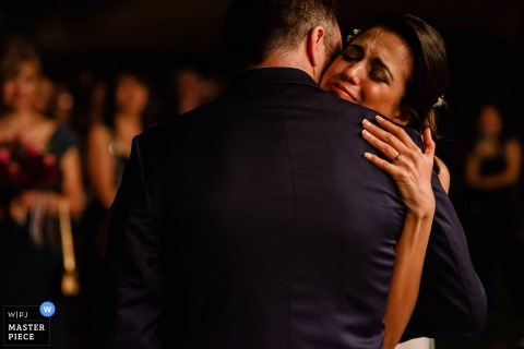 Bride and groom get emotional and hug at the wedding - Wedding photographer for Lima, Peru