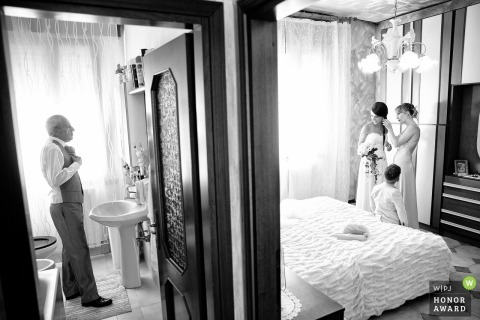 Bride and dad getting ready - Private home, Limbiate, Italy