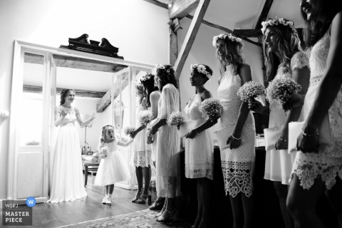 Destination wedding France - Bridesmaids and flower girl