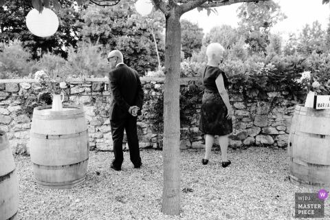 Frankrijk gasten buiten op de bruiloft