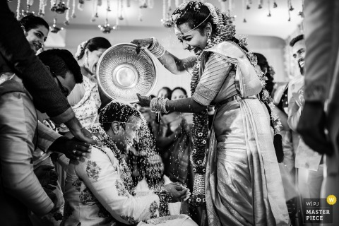Bridal party ma zabawę na ślubie w Ooty, India