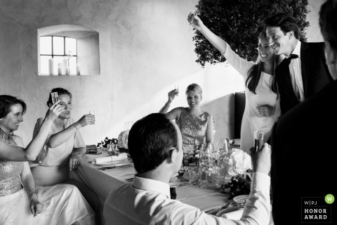 Bridal party enjoying drinks after the wedding - Oost-Vlaanderen Wedding Photographer