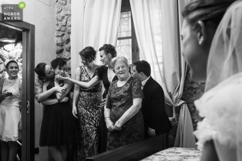 Alcoy bridal party having fun before the wedding