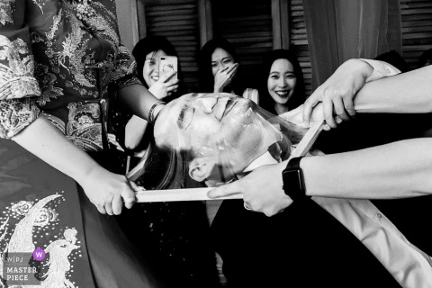 Beijing Wedding games photography in black-and-white