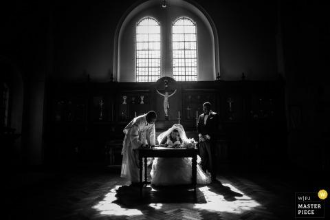 London wedding | Black and white wedding ceremony photography