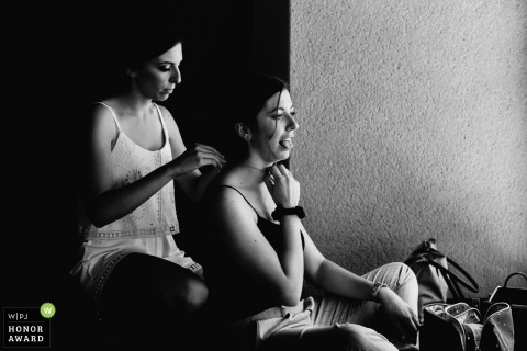 Fief de la Thioire bride getting ready - Black and White photography in France