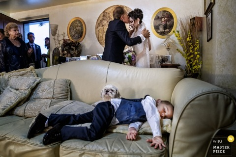 Wedding Reportage of kid sleeping in Calabria
