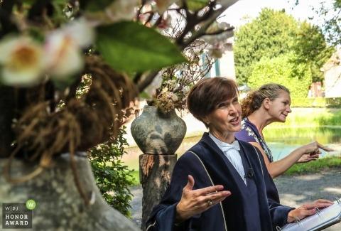 sign language interpreter in the Netherlands - Echteld wedding ceremony photo