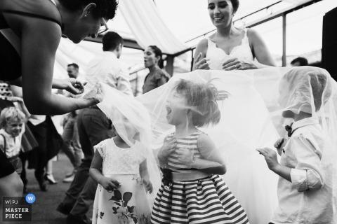 Fiesta nupcial niños en villa livia