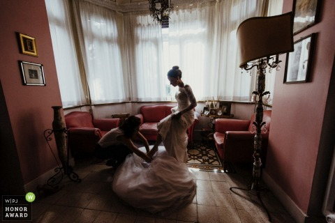 The bride is getting ready at Domus Monami Rome