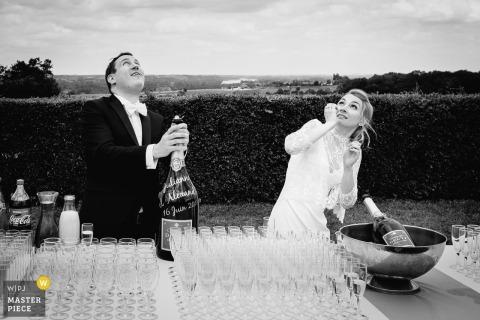Le temps du Champagne | Photographe de mariage de destination pour le Château de l'Eperonnière