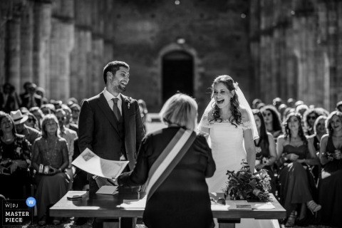 Tuscany wedding photographer for ceremonies at San Galgano Abbey, Siena