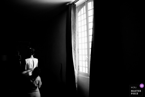 PACA Wedding Photojournalist | France black-and-white photography of getting ready for wedding day