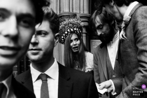 Reportage de mariage à Londres | Chapeaux de mariage en Angleterre