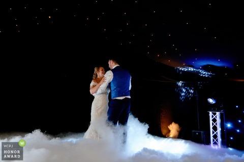 eerste danshuwelijk met mist - Wokingham, Berkshire, Verenigd Koninkrijk