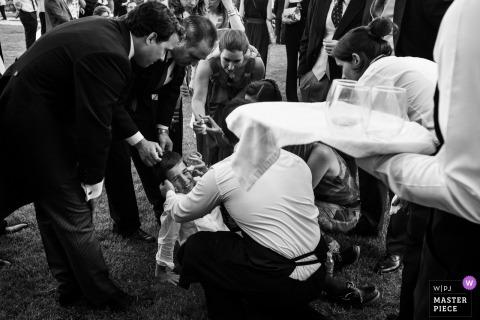bruiloft fotojournalistiek beeld van Sigüenza, ontvangst Castilla-La Mancha