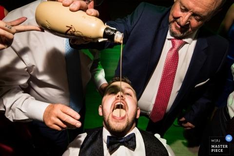 fotojournalistieke huwelijksfotograaf Miguel Onieva | receptie feestfotografie