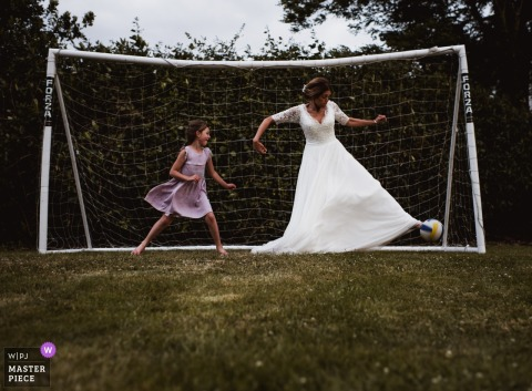 Heathfield House | Soccer Goalie Bride