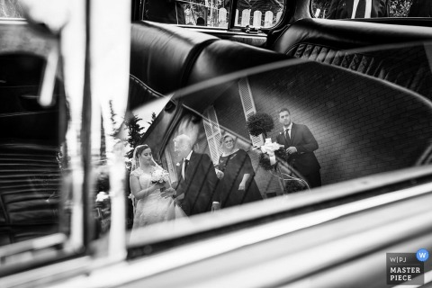 Ancona Wedding Photojournalist | Marche vintage wedding is waiting for the bride and groom - Black and white photography