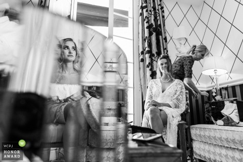 Bridesmaids getting ready at Antibes with plenty of mirrors for reflections