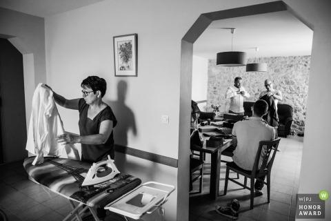 Novios preparándose - Fotografía de boda en Montpellier, Francia