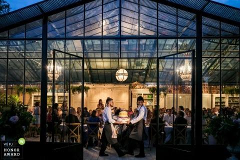 Taart en verkopers | Huwelijksfotograaf voor Biarritz, Frankrijk