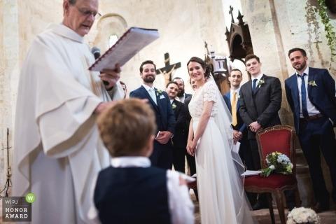 Sainte Colombe, França Fotografia de casamento da cerimônia