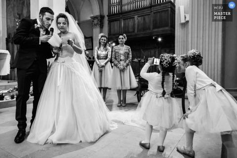 Śmieszne dzieci z aparatem - fotografia ślubna Lyon, Francja