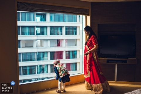 Zdjęcia ślubne Mumbaju z pokoju hotelowego wysoko nad parterem