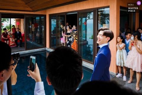Pan młody Shandong ma zamiar wykonywać gry drzwiowe przed ślubem w Chinach