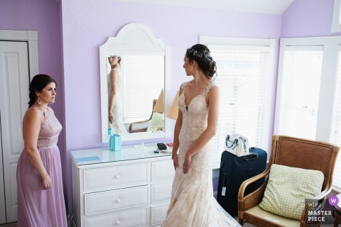 NC Wedding photojournalism | Bride getting ready