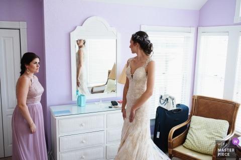 NC Hochzeitsfotosjournalismus | Braut macht sich bereit