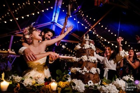 Ślubna strzelanina z Putney, para Vermont, gdy tną ciasto przed dopingowaniem gości