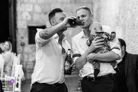 beer at the reception party | wedding friend