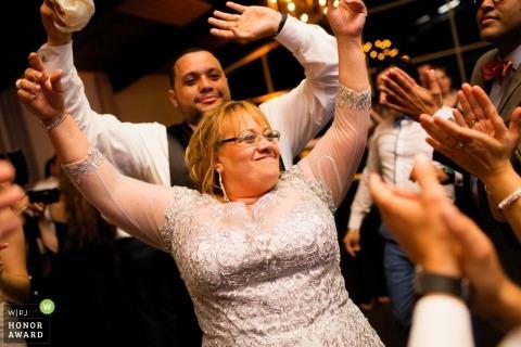 Le photojournalisme de mariage à la réception de la réception de Providence à Rhode Island