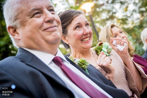 Podniecenie ceremonii ślubnej Atlanta Georgia na twarzach rodziców