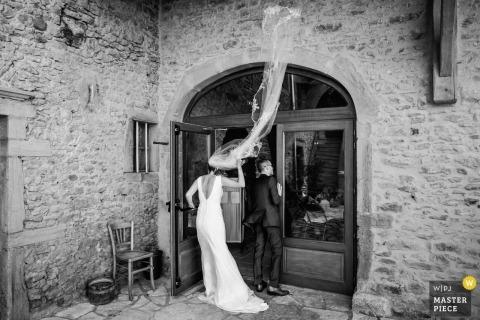 Pogoda podnosi zasłonę | Fotoreportaż weselny